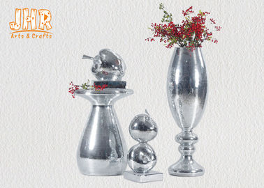 China Small Mosaic Glass Fiberglass Apple With Square Base Sculpture Decoration supplier